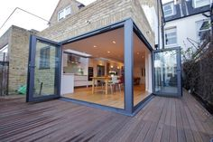 Bi folding doors on corner. To open up kitchen / lighting onto garden and hot tub area ❤ Extension Veranda, House Extension Design, House Design, Corner Bifold Doors, Corner Door, Kitchen Diner Extension, Hgtv Dream Homes, Villa, House Extensions