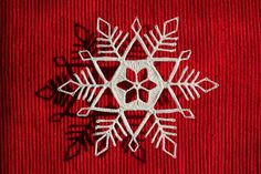 The Laboratory: Debut Flake. Crochet pattern for snowflakes