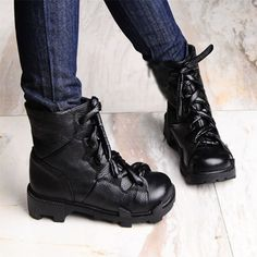 Loving these boots...too bad they don't have my size =(