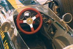 lotus_cockpit.sized.jpg (600×404)