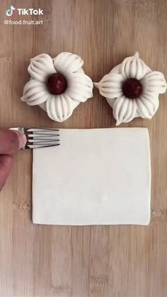 Cake Decorating Videos, Cake Decorating Techniques, Pastry Recipes, Baking Recipes, Amazing Food Decoration, Pastry Design, Bread Art, Creative Food Art, Twisted Recipes