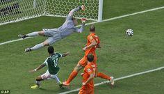 Brasil 2014 – Netherlands v/s Mexico Photos | Football Wallpapers