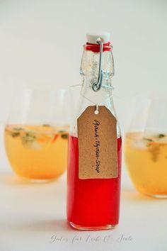 Pfirsich-Thymian-Sirup- das wird ein Fest für die Weinbergpfirsiche ;-)