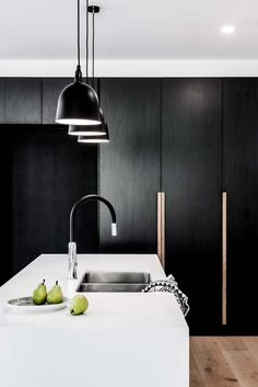 31 Nice Black And White Kitchen Design Ideas With Modern Style - Over the years, many different themes of decorating have come and gone. Considering all the rooms in a home, the kitchen design is one of the most imp. Modern Kitchen Interiors, Luxury Kitchen Design, Best Kitchen Designs, Home Decor Kitchen, Modern House Design, Interior Design Kitchen, Modern Interior Design, Black Interiors, Kitchen Ideas