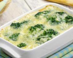 Gratin santé de légumes verts en couche onctueuse : http://www.fourchette-et-bikini.fr/recettes/recettes-minceur/gratin-sante-de-legumes-verts-en-couche-onctueuse.html