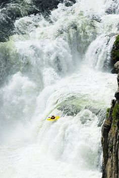 Rafting Breckenridge adventures,rocky climbing, caving and mountain biking by ColoradoMountainActivities. Specializing in whitewater rafting. Idaho, Beautiful World, Beautiful Places, Top Photos, Scary Photos, White Water Kayak, Les Cascades, Whitewater Kayaking, Canoeing