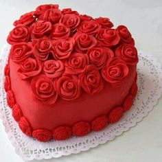 Book 1 kg red heart cake online from Faridabadcake. Send delicious heart-shaped birthday cakes online to your loved ones. Pretty Cakes, Beautiful Cakes, Amazing Cakes, Simply Beautiful, Heart Shaped Cakes, Heart Cakes, Food Cakes, Mini Cakes, Cupcake Cakes