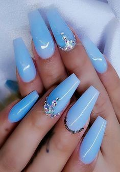 Cute baby blue coffin nails with diamonds - Nails Blue Gel Nails, Light Blue Nails, Blue Coffin Nails, Blue Acrylic Nails Glitter, Baby Blue Nails With Glitter, Acrylic Spring Nails, Crazy Acrylic Nails, Periwinkle Nails, Pastel Blue Nails