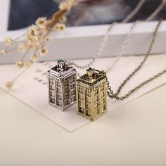 FREE SHIPPING Dr Mysterious ancient silver TARDIS necklace Doctor Who necklace TARDIS necklace Jewelry