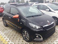 Peugeot 108 ROLLAND GARROSS !!! 1.0 VTI TOP! 68 CV immatricolata 29/07/2016  km. 0  colore Nero Metallizzato  Full Optional, Retrocamera Prezzo di listino Euro 17.063, da noi a soli €. 13.100 oltre a passaggio di proprietà. maurizio.moretti@supercarsrl.eu 333.6456861 Per questa e altre proposte, visitate il nostro sito: www.cittadelladellauto.it