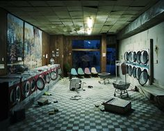 """After the Apocalypse"" Photography Series by Lori Nix. Photographer Lori Nix hand-crafted dioramas are fictional scenes of a post-apocalyptic world in Arte Zombie, Post Apocalyptic City, Photoshop, End Of The World, Landscape Photographers, Zbrush, Abandoned Places, Abandoned Buildings, Architecture"