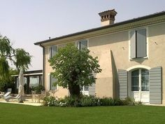 Villa I Gelsi - Picture gallery Provence Interior, Home Styles Exterior, House Extensions, French Country House, Window Frames, Facade House, Architecture Design, Pergola, New Homes