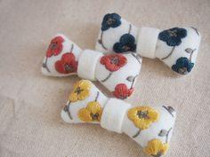 ribbon brooch / 花柄