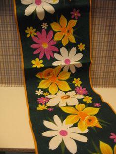 Vintage Tischdecken - Tischdecke Läufer Tischläufer Jute BW grün - ein Designerstück von retroProps bei DaWanda
