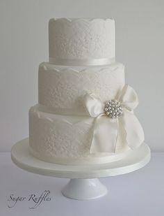 Lace Wedding Cake with vintage style brooch #laceweddingcakes