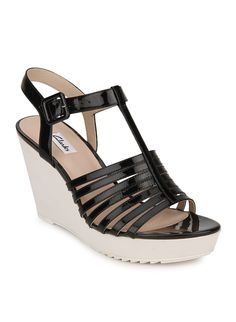 40% discount on Scent Lily Black Wedges http://www.shopping-offers.in/footwear-deals/sandals-floaters-deals/scent-lily-black-wedges/