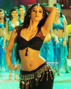 Ileana Hot Navel Show. Bollywood Actress Hot, Beautiful Bollywood Actress, Beautiful Indian Actress, Beautiful Actresses, Tamil Actress, Beautiful Ladies, Indian Celebrities, Bollywood Celebrities, Hot Actresses