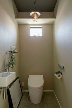 愛知・名古屋の注文住宅ならクラシスホームへ。自由設計でありながら価格を抑えてデザイン性の高い注文住宅をご提案しています。 Home Alone, Facade, My House, Toilet, Bathroom, House Styles, Interior, Decor, New Houses