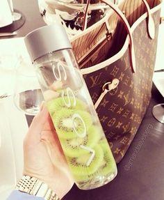 Kiwi detox water, voss bottle