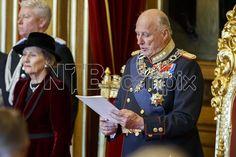 3.10.2016 - Stortingets åpning 2016: Med dronning Sonja ved sin side leser kong Harald trontalen under den høytidelige åpningen av det 161. storting