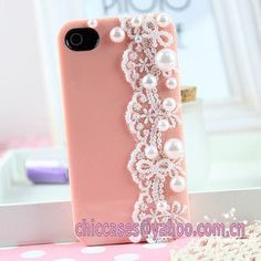Cute phone case! Lace and pearls and pink!