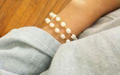 Bracelet perles d'eau douce blanches et hématite dorée #elodietrucparis Shop on ---> www.elodietrucparis.tictail.com