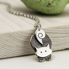 Pouncing Cat Necklace Sterling Silver Cat Jewellery Cat www. Cat Jewelry, I Love Jewelry, Animal Jewelry, Metal Jewelry, Sterling Silver Jewelry, Jewelry Gifts, Jewelry Design, Silver Jewellery, Jewellery Box