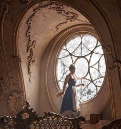 7 First Photos Reveal How Emma Watson Will Look As Belle in Beauty And The Beast