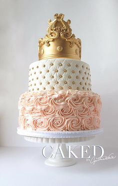 Cake design blanc , rose et doré Pretty Cakes, Cute Cakes, Beautiful Cakes, Amazing Cakes, Quince Cakes, Quinceanera Cakes, Crown Cake, Sweet 16 Cakes, Sweet Sixteen Cakes