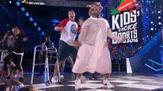 dancing nickelodeon nick rob gronkowski gronk russell wilson kids choice sports kcs #lol #funny #rofl #memes #lmao #hilarious #cute