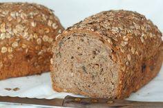 Huis, tuin en keukenvertier: Volkorenbrood met pitten, zaden en havervlokken
