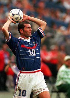 Zidane, craque, simples, humilde, genial.