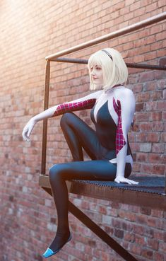 Do you desire Spiderman to come visit you? Then wear this Spider-Verse Gwen Jacket of Hailee Steinfeld Stacy and he will find you from anywhere. Cosplay Outfits, Cosplay Girls, Cosplay Costumes, Superhero Cosplay, Marvel Cosplay, Spiderman Cosplay, Amazing Cosplay, Best Cosplay, Spider Gwen Cosplay