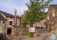 Like si te gustaría conocer un pueblo por el que no pasan los años !!! O Cebreiro en Lugo puerta de entrada a Galicia del #CaminodeSantiago francés. #Galicia #Cebreiro #Lugo #pueblo #CaminoFrancés