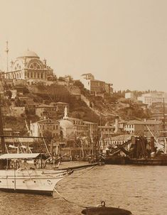 Cihangir Mosque and Süheyl Bey Mosque at the bottom, … Pictures Of Turkeys, Old Pictures, Old Photos, Turkey Holidays, Sustainable Tourism, Historical Pictures, Istanbul Turkey, Ulsan, Old City