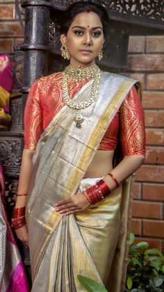 Online shopping from a great selection at Clothing & Accessories Store. Pattu Saree Blouse Designs, Bridal Blouse Designs, Golden Saree, Saree Wedding, Bridal Sarees, Indian Silk Sarees, Indian Blouse, Sari Design, Saree Look