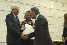 Il Prof. Raimondo VILLANO riceve la Medaglia d'Argento 'al Merito della Sanità pubblica' dal Presidente della Repubblica Prof. Sergio MATTARELLA e dal Ministro della Salute On. Beatrice LORENZIN. (Roma, Ministero della Salute, Sede Centrale, Auditorium 'Biagio d'Alba', 21 ottobre 2016);