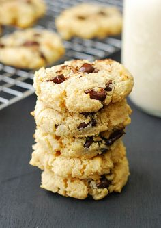 Carb Chocolate Chip Cookies The Best Low Carb Chocolate Chip Cookies - Soft, chewy, thick and you won't even be able to tell the difference.The Best Low Carb Chocolate Chip Cookies - Soft, chewy, thick and you won't even be able to tell the difference. Low Carb Chocolate Chip Cookies, Keto Cookies, Cookies Et Biscuits, Cookies Soft, Chocolate Chips, Meringue Cookies, Coconut Cookies, Shortbread Cookies, High Carb Foods