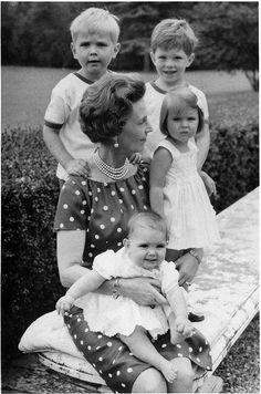 Princess Olga with her grandchildren
