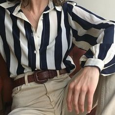 Vintage stunning 100% silk wide stripe navy cream blouse xs-m $64 + shipping PENDING