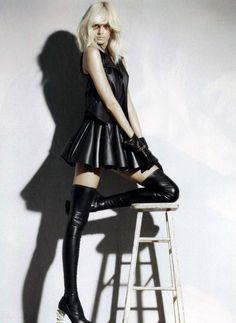 ko-no-ko:  Hana Soukupova in DSquared2 Thigh High Boots. Flair Magazine, 10.2010.