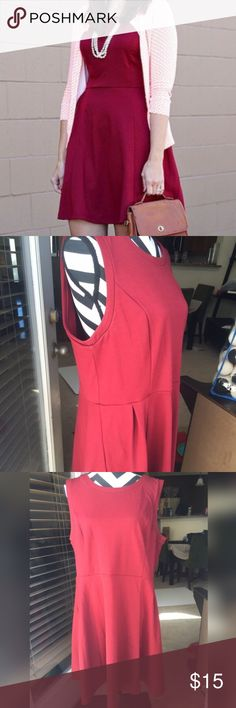 Fit & Flare Dress Size 16-18! Beautiful dress! Never worn. Super stretchy! It is Fit & flare! Merona Dresses