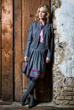 Trachtenmode u. Sportbekleidung aus Salzburg H. Moser Trachtenkleidung Bekleidung Trachten Dirndl Trachtenblusen Kindertrachten Landhausbekleidung