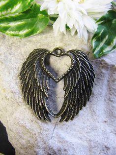 Anhänger Flügel mit Herz in bronze 4,4 cm, Schmuck mit Perlen basteln, Schwingen