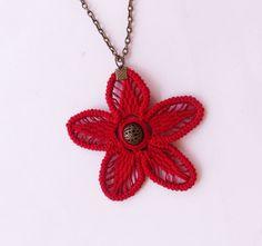 Flower crochet necklace / red crochet necklace by laviniasboutique, €25.00