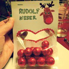 Rudolf neser. Kopi av en annen pin, med egen vri.