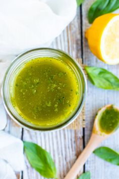 Nothing beats this warmer weather more than a simple and easy basil and lemon vinaigrette dressing recipe! Pour this gluten-free, dairy-free, vegan and healthy vinaigrette dressing over your favorite salad, quinoa veggie bowl, or on a sandwich. Mexican Salad Dressings, Salad Dressing Recipes, Chopped Cobb Salad, Citron Meyer, Lemon Vinaigrette Dressing, Wie Macht Man, Soul Food, Dairy Free, Gluten Free