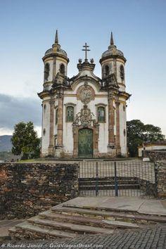 Igreja São Francisco de Assis, em Ouro Preto, Minas Gerais.  Conheça a cidade >>> http://www.guiaviagensbrasil.com/mg/ouro-preto/