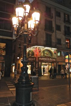 Ramblas at night ∞ Barcelona ©Xw