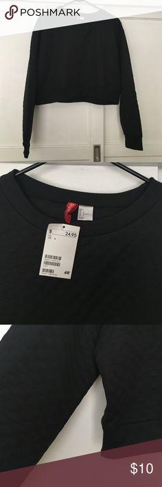 Black crop sweater Black crop sweater / never worn H&M Sweaters